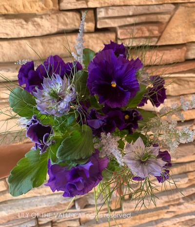 スミレの花束